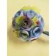 Bouquet di fiori con carte geografiche rotondo