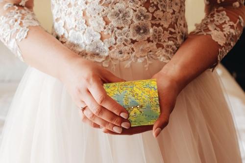 Organizza il tuo matrimonio scegliendo l'idea e lo stile delle carte geografiche