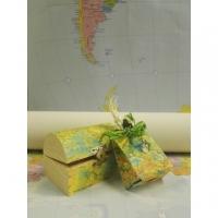 Per Natale regala oggetti originali fatti con le carte geografiche