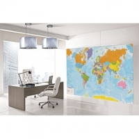 Un planisfero da parete come arredamento di casa o dell'ufficio