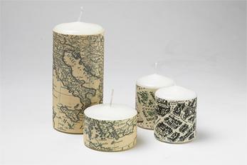 Matrimonio con il tema delle carte geografiche bomboniere for Addobbi tavoli matrimonio con candele